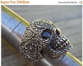 ON SALE Verkauf... Totenkopf ring in Sterling Silber mit schwarzen cz für die Augen