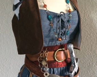 Small Adult Women's Pirate Costume Wild West Outlaw Pirate