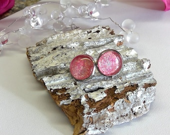 Silver-plated stud earrings with shimmering rosé cabochons