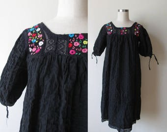 Vintage 60's-70's black Mexican dress / Embroidered short pintuck mexican dress size small