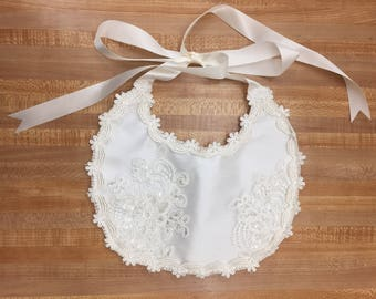 Light Ivory Baptism Bib