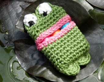 Tampon pouch, sanitary pad, crochet pouch, monthly hygiene
