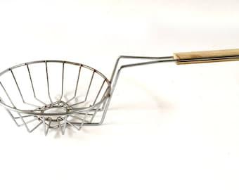 Vintage Kitchen Utensil, Frying Basket,  Metal Strainer, Wire Colander, Wire Basket, Wire Fryer