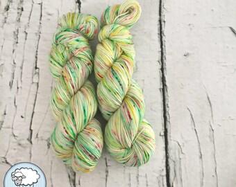 Speckled sock yarn superwash merino, nylon, Citron-Melon, pink, green, yellow, hand dyed in Quebec