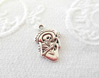 x 1 charm silver Mexican skull muertas metal pendant.