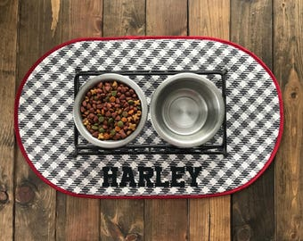 Personalized Pet Mat - Pet Food Mat - Pet Bowl Mat - Pet Placemat - Dog Placemat - Cat Placemat - Pet Gift- Black - White - Red - Pet Mat