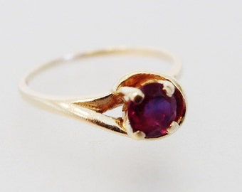 Vintage 14K Garnet Ring | Round Faceted Garnet Ring | 14K Yellow Gold | Genuine Garnet Jewelry | Garnet Jewellery | Gift Jewelry for Her