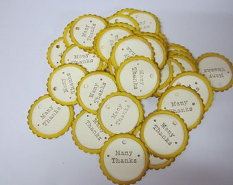 """50 Tags """"Many thanks"""" round with scallop edge"""