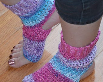 Made To OrderHydrangea Crocheted Yoga/Pilates/Dance/Pedicure/Flip Flop Socks (WIDE SIZE)