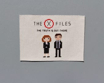 The X-Files Cross Stitch Fan Art - The Truth Is Out There X-Files Scully & Mulder