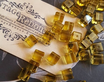 10 Sunflower yellow square beads