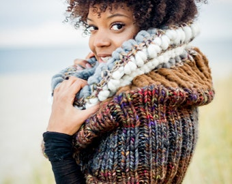 Super Chunky Knit Scarf, Bulky Scarf, Chunky Cowl, Knit Circle Scarf, Infinity Scarf, Snowy Olive Cowl, Brown Cowl, Brown Circle Scarf