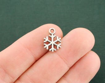 12 Snowflake Charms Antique Silver Tone - SC5907