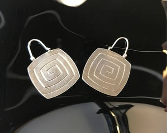Sterling silver dangle hook earrings 925 dangling vintage boho hippie whimsical primitive labyrinth carvings