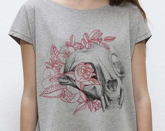 Skull T-shirt with cat and flowers