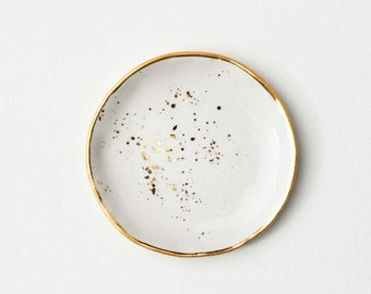 Ring Dish in White with Gold Splatters