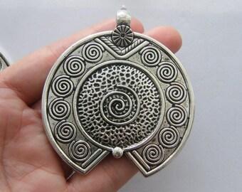 1 Pendant antique silver tone BFM11