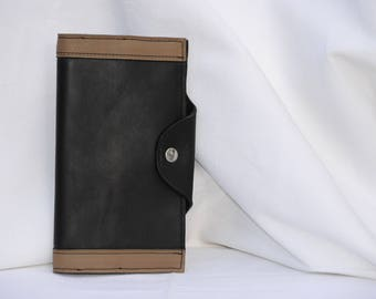 Wallet in black and taupe
