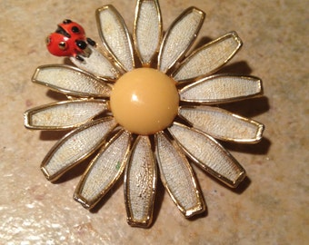 Ladybug and White Daisy Brooch by Weiss