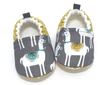 Llama Soft Sole Baby Shoes, Gender Neutral Baby Gift, Gray Baby Booties, Toddler moccasins, Grey Baby Shoes, Baby Shower Gift, llama gifts