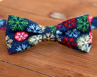 Mens Christmas Bow Tie - mens Winter Snowflake on Navy Blue Cotton bowtie - bow tie for men, teen boys - mens holiday bow tie - gift for him