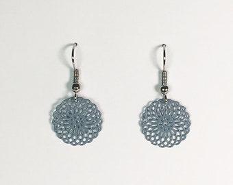 Small ornament Earrings in Graublau