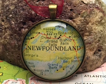 Newfoundland Christmas Ornament, Keep a memory Alive / HONEYMOON Gift / Wedding Map Gift / Travel Tree Ornament / Corporate gift