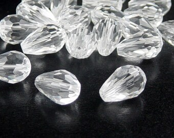 Glass Beads 20 Clear Teardrop Faceted Drop 11mm x 8mm (1020gla11-14)