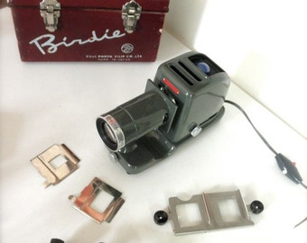 Vintage Fuji Birdie slide projector with case, 1950s working 35 mm Photo Film, 50s photography, Urban Deco,r Artist Jackpot Jen