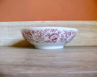 """Mayflower Red 8"""" Round Vegetable Bowl, Syracuse Carefree China, White China Red Floral Transferware, Retro Mid Century Restaurant Diner Ware"""