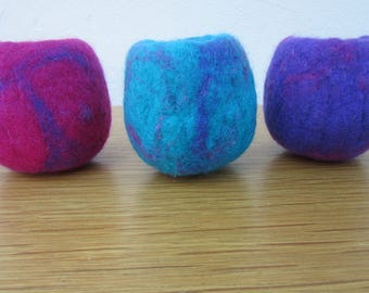 SMALL BOWLS.  Set of 3 small hand felted bowls in mauve, turquoise and pink.