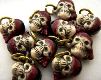 10 Tiny Pirate Skull Beads