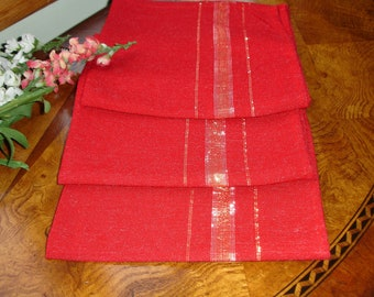 Retro Holiday Napkins 1970s Set of 3; home decor, tablesetting, red napkins, Christmas napkins, New Year's Napkins, Red and Gold, 3 napkins