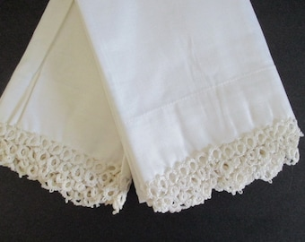 Pair White Cotton Pillowcases Tatted Lace Trim Tatting Vintage Still New Never Used