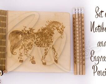 Blooming cheval naturel contreplaqué cahier et crayons gravés 4 ensemble