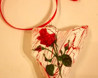 decorated stone,decorated rock,gift packaging idea,craft surprise,stone craft,red rose, stone art,stone idea,unique stone