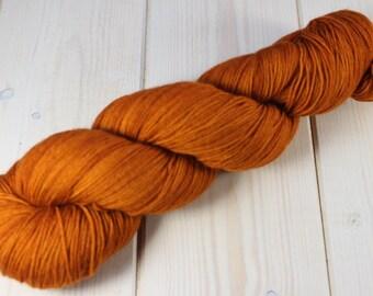 Skein hand - dyed Fingering - superwash Merino - 100 g / 400 m - pumpkin