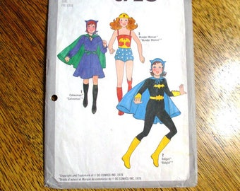 CLASSIC 1970s Wonder Woman Costume / Batgirl Costume / Catwoman Costume - Child Size (7 & 8) - VINTAGE Sewing Pattern Simplicity 8720