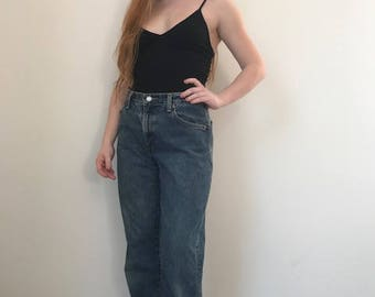 High Waisted Medium Wash Levis 550
