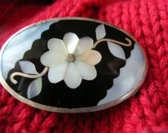 Pin Pendant Mexico Sterling Silver Alpaca Flower Inlaid Mother of Pearl Black Onyx