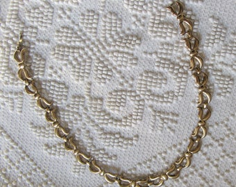 "Vintage Monet Necklace ""70 golden"