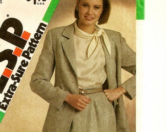 """A Classic Suit Pattern for Women: Button Front, Unlined Blazer and Slim Skirt - Uncut - Sizes 8-10-12, Bust 31-1/2"""" - 34"""" • Simplicity 6536"""