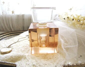 Vintage Art Deco Perfume Bottle from AllieEtCie