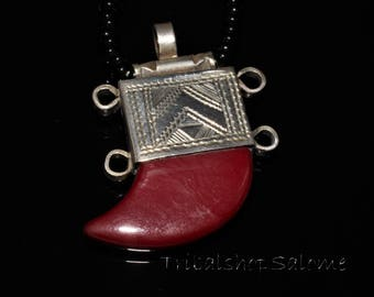 Tuareg Silver Necklace with Carnelian, Vintage African Jewelry from the Sahara Desert, Ethnic Jewelry, Touareg