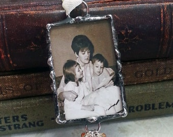 Memorial Wedding Charm, Bouquet Charm, Soldered Glass Bridal Charm, Heirloom Keepsake, Picture Frame Charm, Personalized Inscription