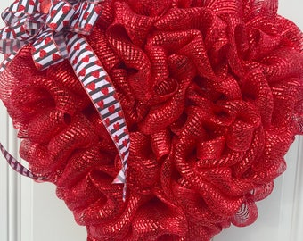 Deco mesh wreath, Valentine's Day wreath, Valentines decor, heart shaped wreath, red wreath, wall hanging, door decor, heart decor