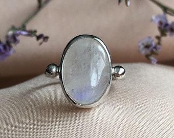 Moonstone Ring, sterling silver moonstone ring, rainbow moonstone ring, dainty moonstone ring, oval moonstone ring, silver moonstone ring