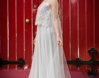 Dottie -> Top in dotted tulle and guipure lace. Wedding separate. Boho bridal gown. Romantic wedding gown. Bohemian outfit