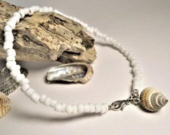 White Beaded Anklet ∫ Sea Shell Anklet ∫ Anklets With Seashells ∫ Gypsy Boho Anklet ∫ Seashell Anklet∫ Beach Anklet ∫ Beaded Shell Anklet