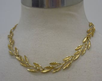 Vintage Gold-Tone Grosse Germany Laurel Leaf Choker Necklace